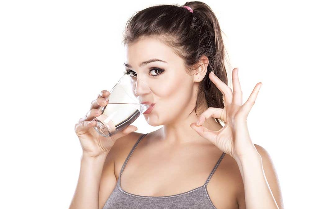 8 tips & tricks to help you drink more water